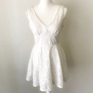 Dresses & Skirts - Lily Rose White Lace Crochet Summer Dress Size M
